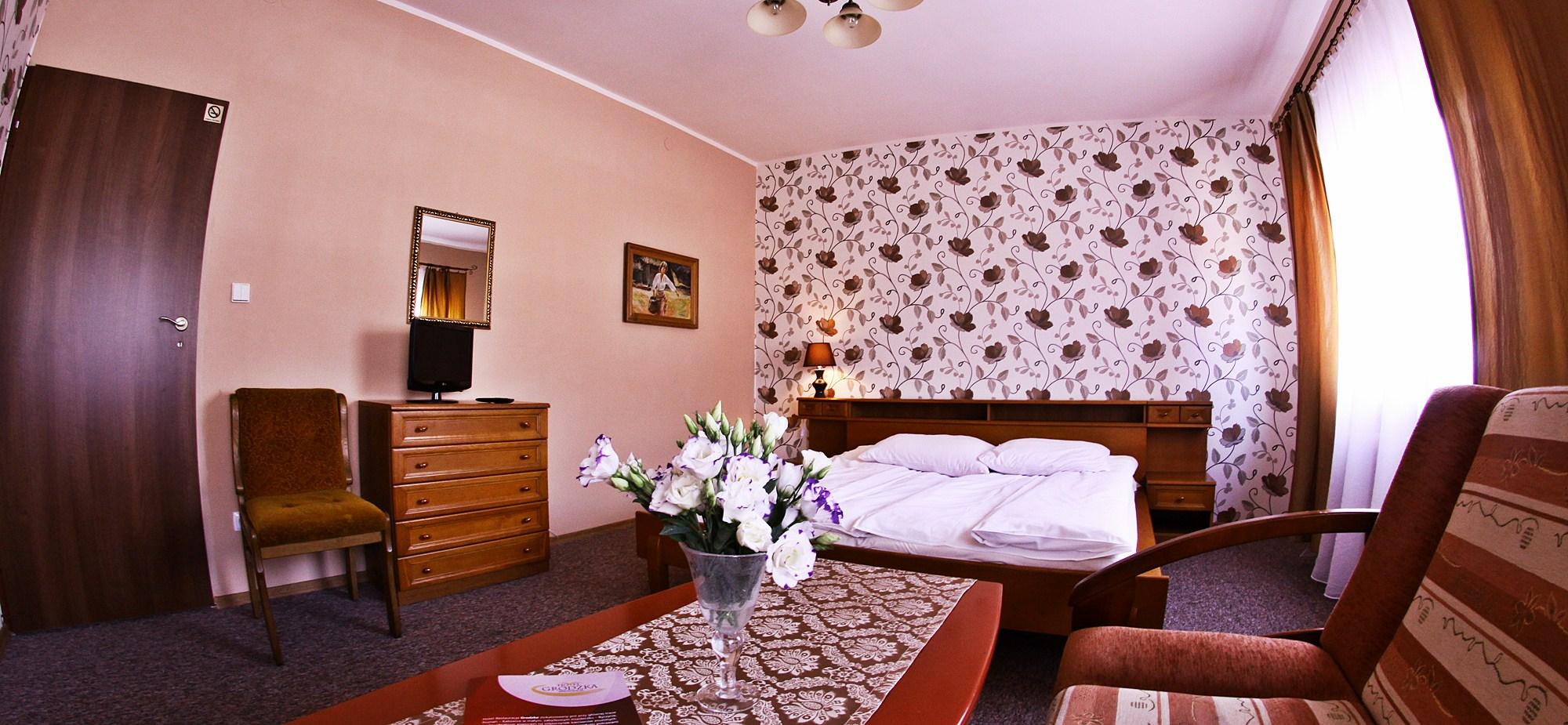 wnetrze-pokoju-hotelowego